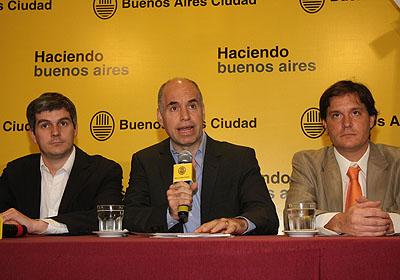 El jefe de Gabinete y el Secretario General porteños, Horacio Rodríguez Larreta y Marcos Peña, durante la conferencia de prensa que ofrecieron en el microcine del Palacio de Gobierno. Foto: Silvina Arrastía-gv/GCBA.