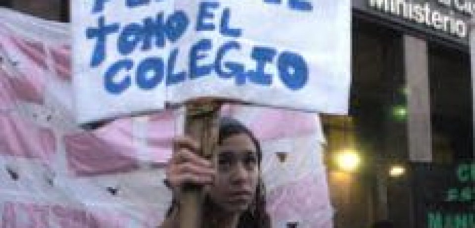 LICOR DE WEB: MI HIJA PASA LA NOCHE EN EL COLEGIO