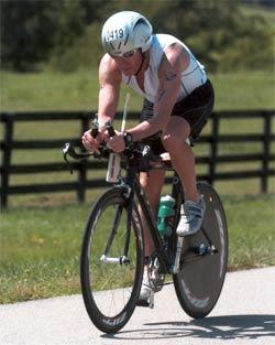 Juan Craveri pedaleando para el prójimo