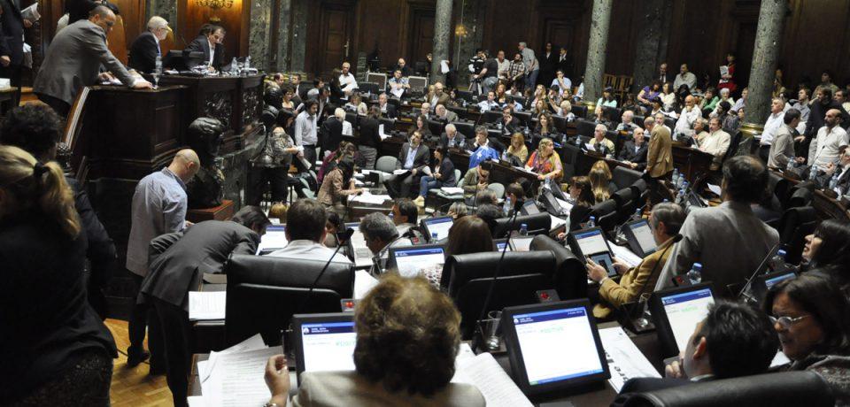 PRESUPUESTO 2014: DURA APROBACIÓN EN LA LEGISLATURA