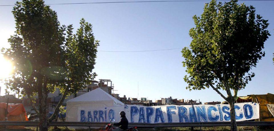 TOMADORES DE LA VILLA 20 DENUNCIAN AMENAZAS EN CARTA AL PAPA