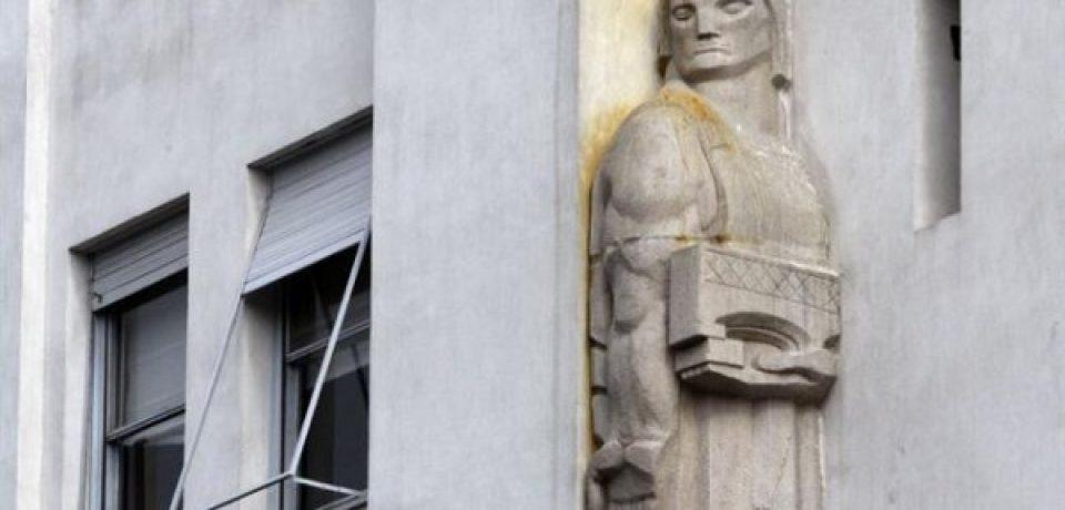 EL MONUMENTO ARGENTINO A LA COIMA