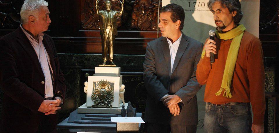 EL MONUMENTO A PERÓN SERÁ OBRA DEL ESCULTOR CARLOS BENAVÍDEZ