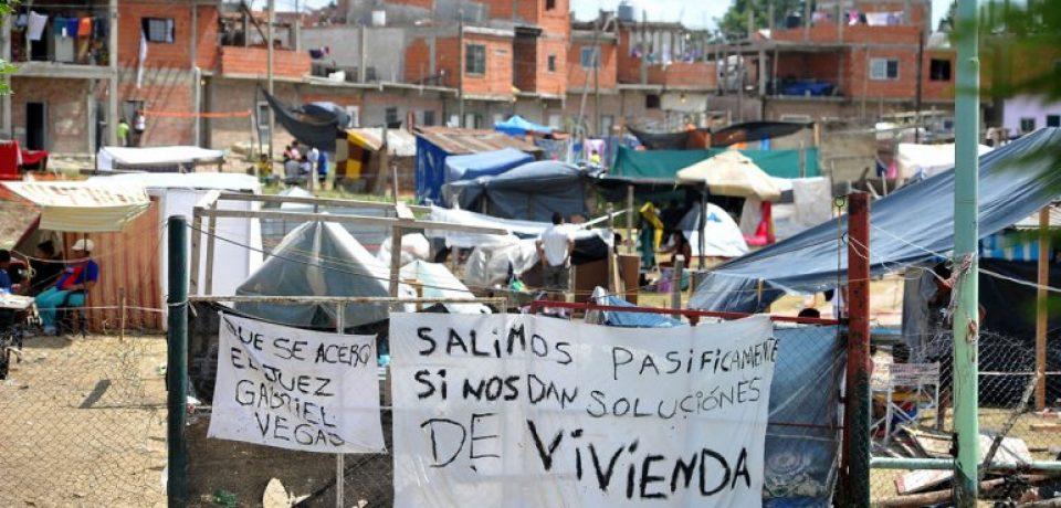 CARRIÓ DENUNCIÓ AL GOBIERNO NACIONAL POR LA TOMA DE LUGANO
