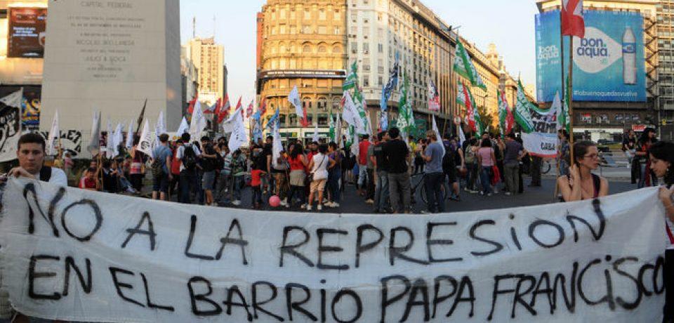 VUELVE LA CARPA VILLERA EN PROTESTA POR EL DESALOJO DE LUGANO