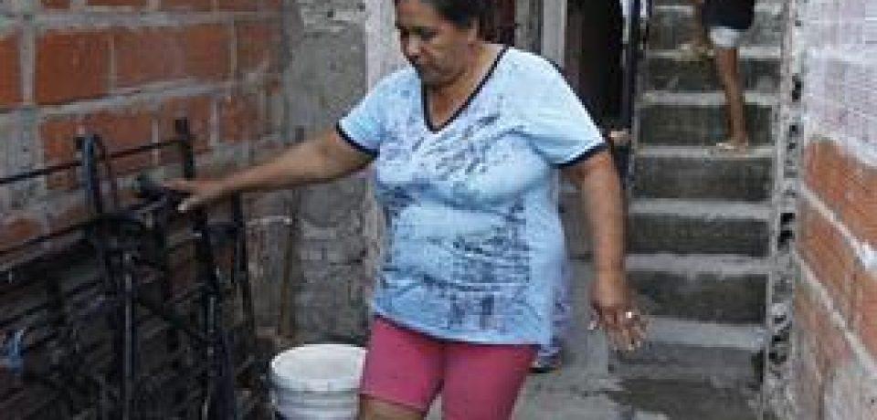 EL BARRIO QUE SE INUNDA DE RESIDUOS CLOACALES