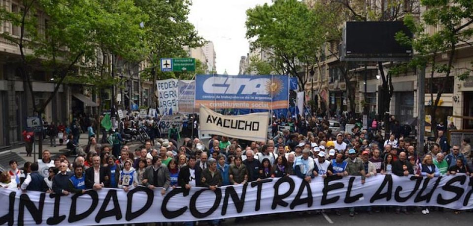 Multitudinaria marcha de la CTA para reclamar por el ajuste