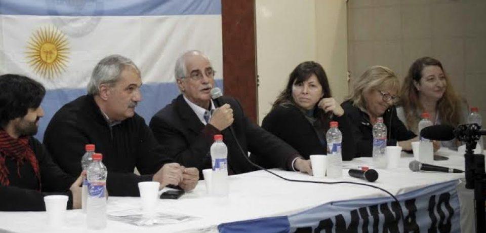 La Cátedra itinerante Aldo Ferrer contó con la presencia de Jorge Taiana