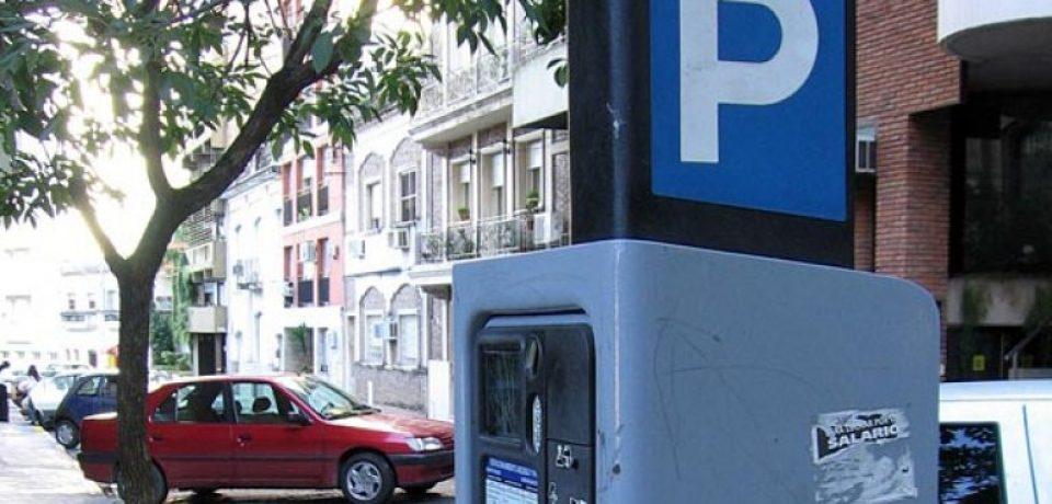 Aprueban dos leyes que beneficiarán a las empresas de estacionamiento medido y acarreo