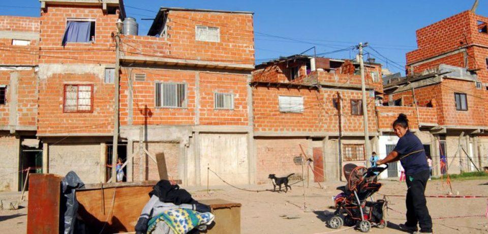 """""""Hay una deuda social con la Comuna 7"""""""
