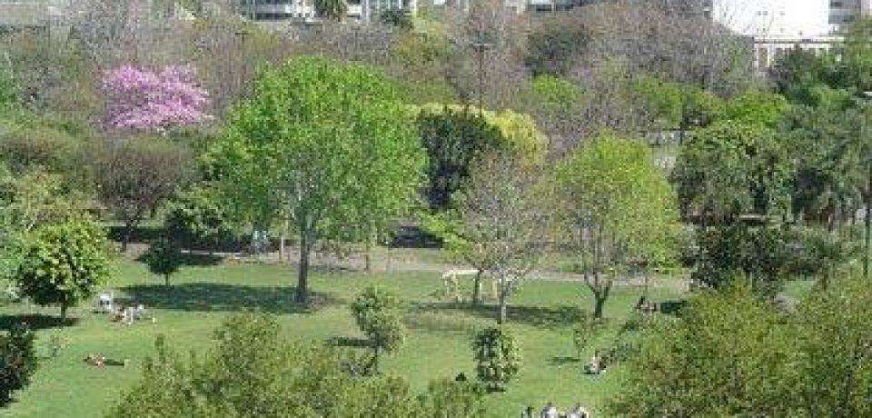 Los vecinos defienden el parque Las Heras