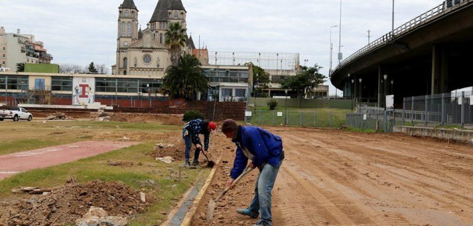 Parque Chacabuco con pista de atletismo nueva