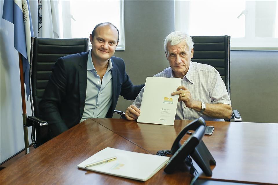 La Ciudad firma un convenio con la UOM