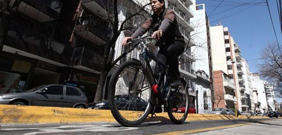 La bicicleta gana terreno con la restricción vehicular en el centro porteño