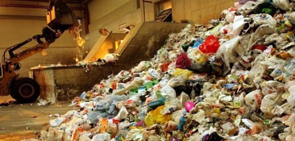 Denuncia penal contra el Gobierno porteño por la incineración de residuos