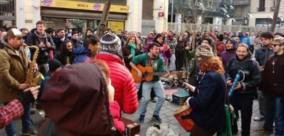 Frenan cambios del Código Contravencional porteño por los artistas callejeros