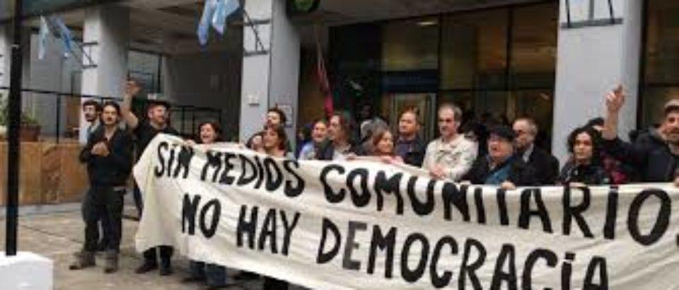 Los medios vecinales y la pelea por la pauta