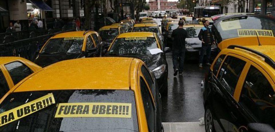 La Legislatura sancionó un nuevo freno a UBER