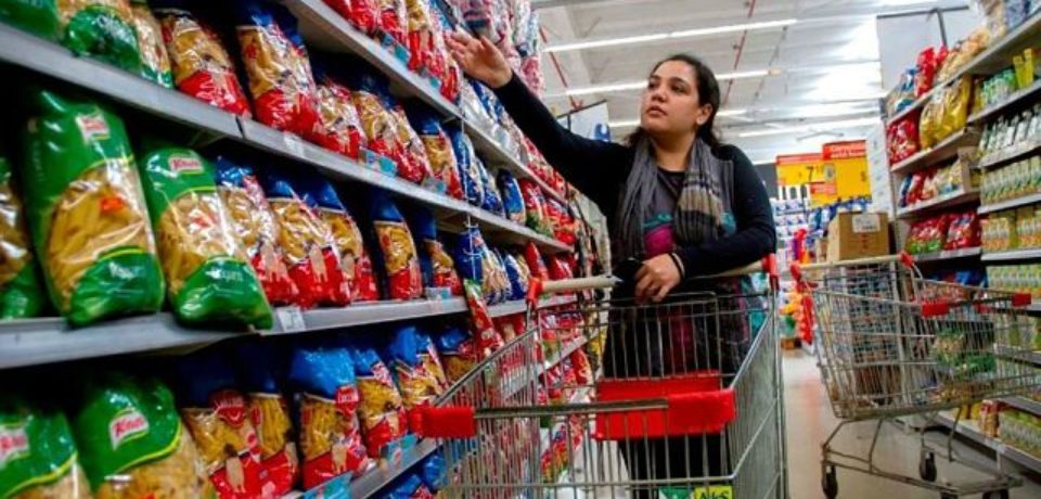 Pobreza: una familia porteña necesitó cerca de $24.500 en noviembre