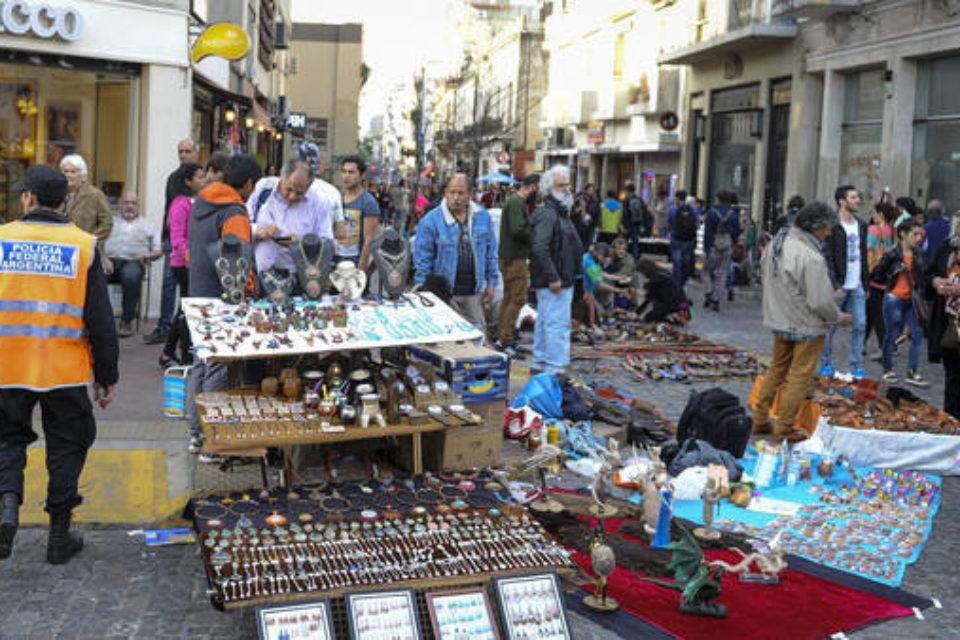 Hay 322 puestos individuales en calles porteñas