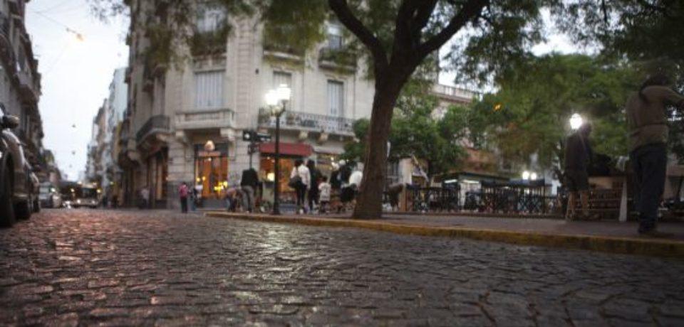 Patrimonio histórico: la Justicia ordenó la reposición de adoquines en Belgrano