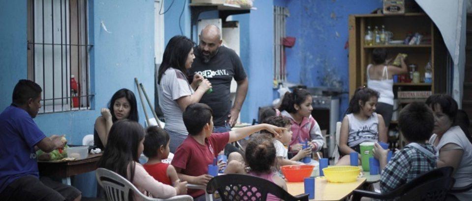 Alarmante: el 36% de los habitantes de la Ciudad redujo sus porciones alimentarias
