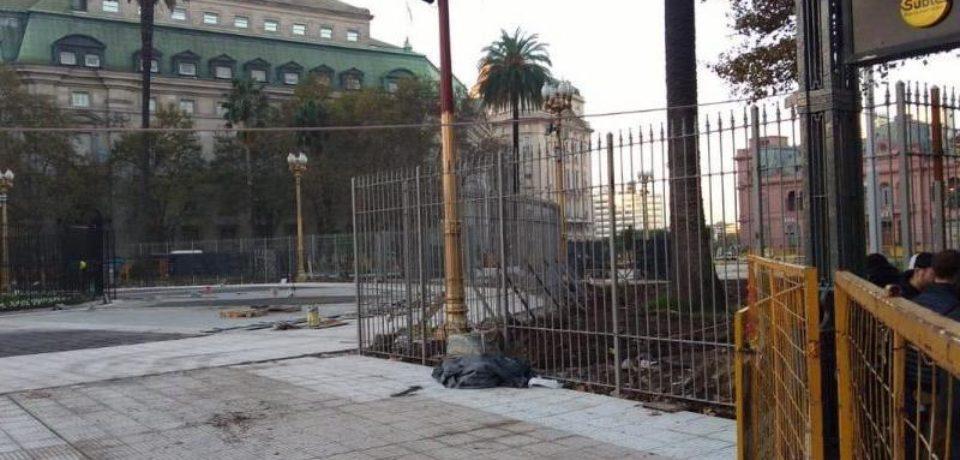 Legalizarían las rejas fijas en Plaza de Mayo