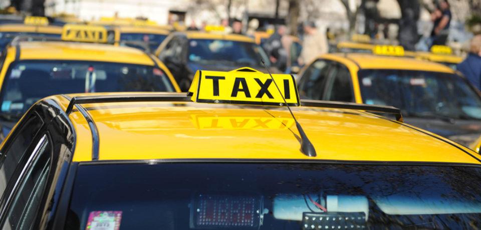 ¿Qué reclaman los taxistas en Aeroparque?