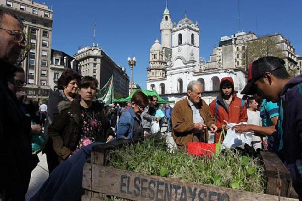 «Alimentazo» en Plaza de Mayo
