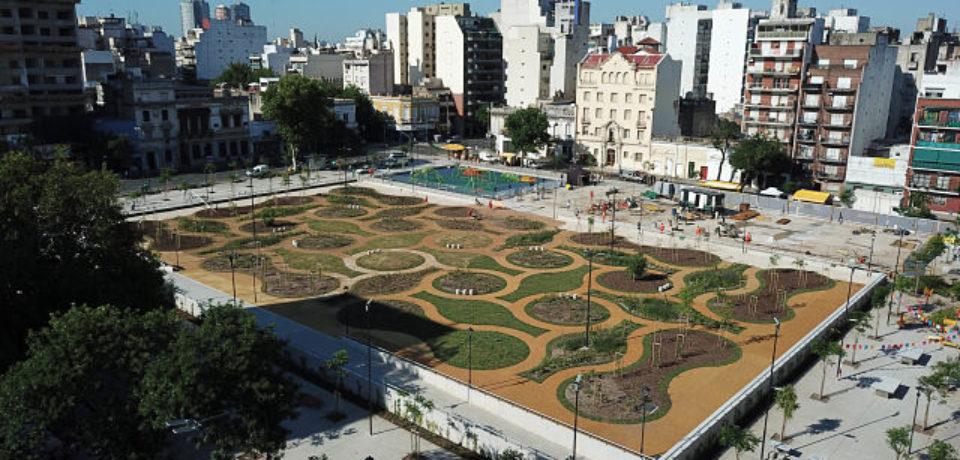 «Hay una fisonomía de las plazas donde desaparece el verde por cemento»