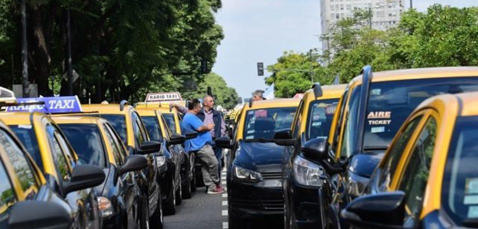 Nueva protesta de taxistas contra las apps de transporte